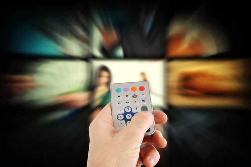 Polacy nieustannie pobierają pirackie seriale oraz filmy. Czy nc+, chociaż częściowo, uda się zatrzymać ten trend? /©123RF/PICSEL