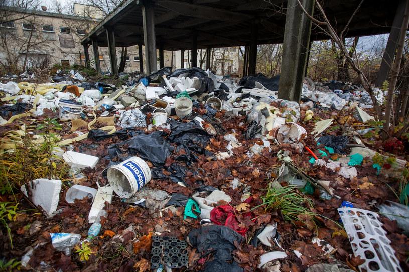 """""""Polacy oddychają metanem z wysypisk śmieci"""" /FILIP KOWALKOWSKI/POLSKA PRESS /East News"""