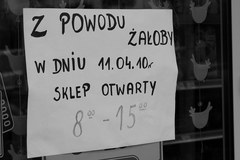 Polacy pogrążeni w żałobie