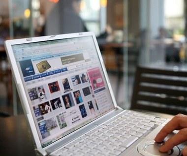Polacy przywiązani do internetu