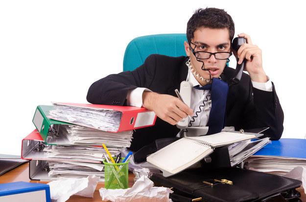 Polacy stresują się w pracy /123RF/PICSEL