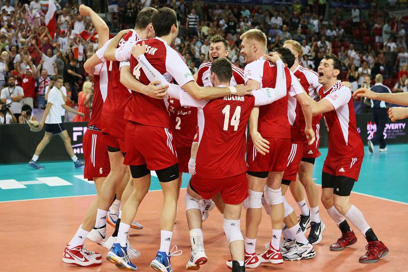 Polacy świętują zwycięstwo w Lidze Śiatowej /- /www.fivb.org
