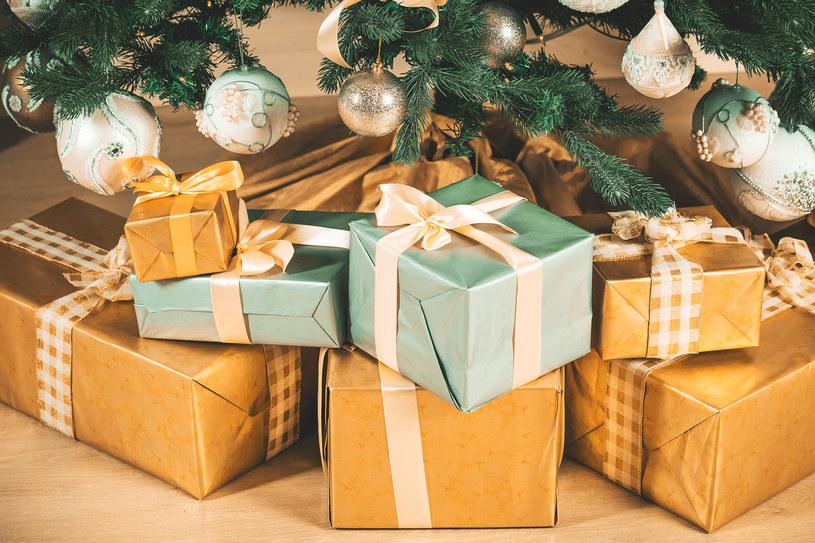 Polacy wciąż wybierają bezpieczne, klasyczne prezenty /©123RF/PICSEL