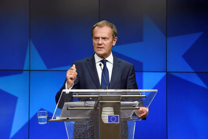 Polacy wolą, żeby Donald Tusk został w Brukseli /AFP