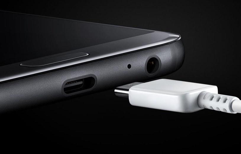 Połączenie USB wydawało się dotychczas bardzo bezpieczne /Samsung /materiały prasowe