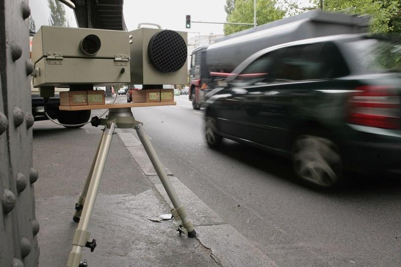 Polak sprzedał auto i... zaczął dostawać mandaty z Holandii /Getty Images