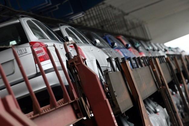 Polaków nie stać ani na nowe, ani na używane auta / Fot: Bjoern Steinz /Reporter