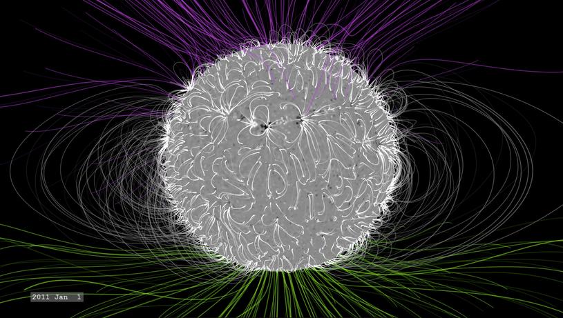 Pole magnetyczne Słońca podczas minimalnej aktywności gwiazdy /NASA