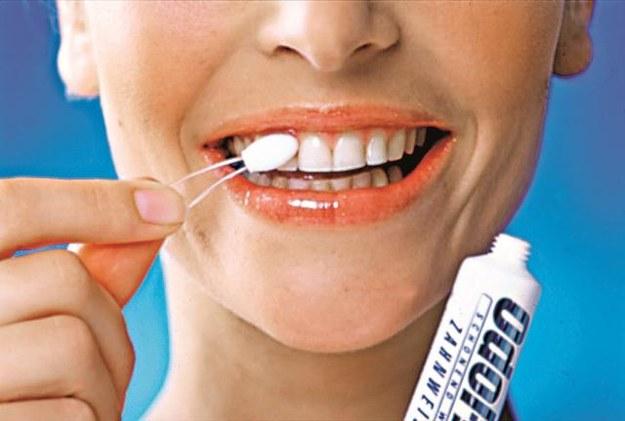 polerowanie Wśród licznych akcesoriów do higieny jamy ustnej znajdziemy również specjalne polerki. /Arch. Bauer