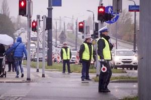 Policja apeluje do pieszych: Patrz i słuchaj!