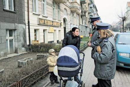 Policja informuje mieszkańców o zagrożeniu kradzieżami/fot. M. Zakrzewski /EchoMiasta_Poznań