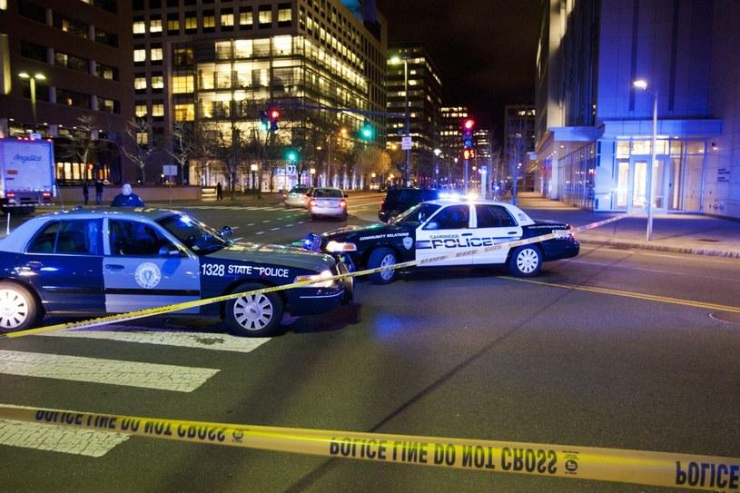 Policja na miejscu strzelaniny /PAP/EPA