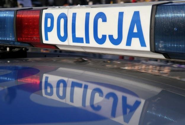 Policja poszukuje sprawcy zdarzenia (zdjęcie ilustracyjne) /Damian Klamka /East News