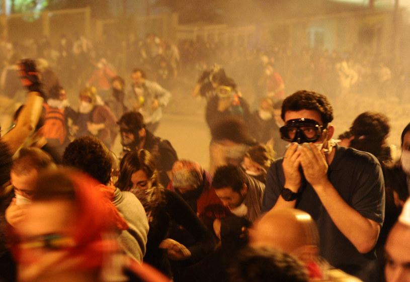 Policja użyła gazu łzawiącego /AFP