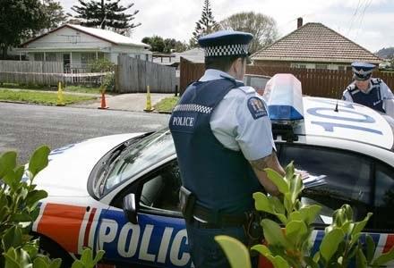 Policja zatrzymała niefortunnego włamywacza dzięki nagraniu w portalu Facebook /AFP