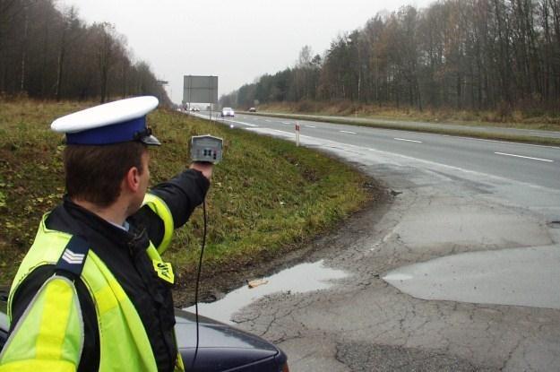 Policjanci będą sprawdzać prędkość /INTERIA.PL