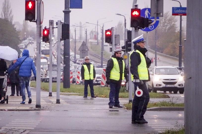 Policjanci będą zwracą uwagę na ruch pieszych /Piotr Kamionka /Reporter