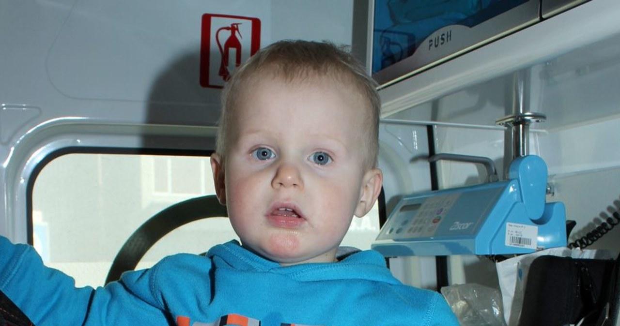 Policjanci poszukują rodziców ok. 2-letniego chłopca