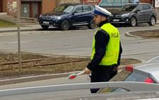 Policjanci są jak dzieci. Nigdy nie wiadomo, kiedy któryś z nich wybiegnie nagle na środek jezdni