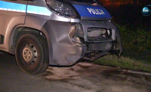 Policjanci z Łomży z niegroźnymi obrażeniami po pościgu za kierowcą