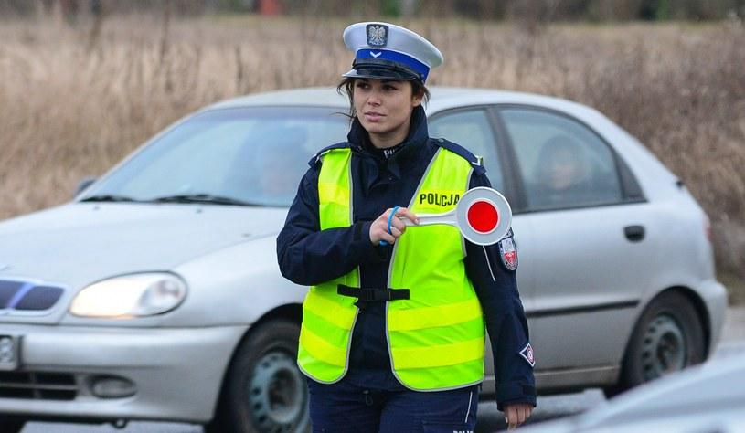 Policjant z mandatem może odwiedzić cię w domu /Paweł Skraba /Reporter