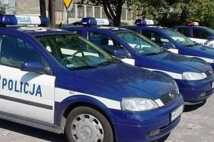 Policyjne radiowozy bez paliwa