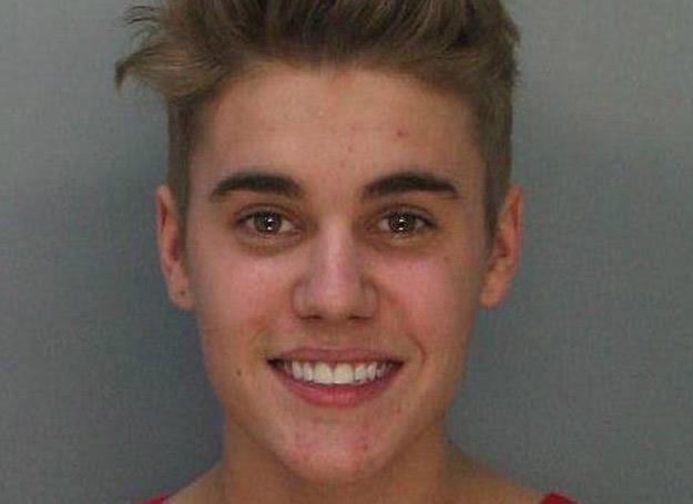 Policyjne zdjęcie aresztowanego Justina Biebera /Rex / East News