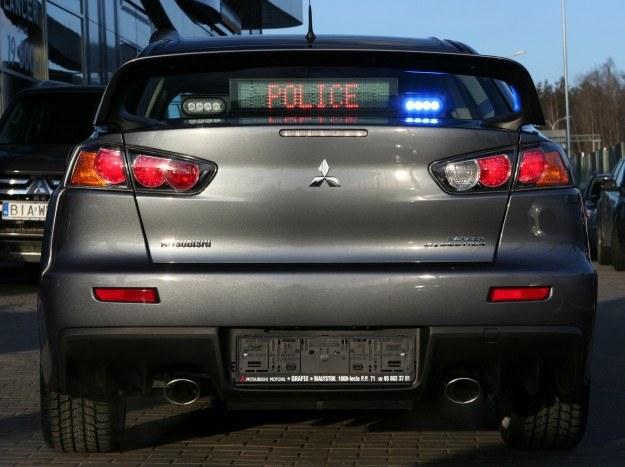 Policyjny Mitsubishi Lancer Evo X /