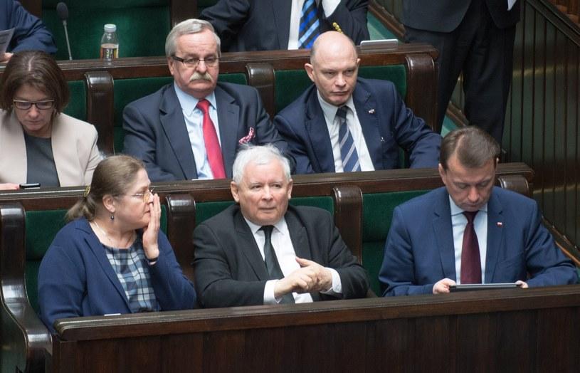 Politycy PiS w ławach sejmowych /Witold Rozbicki /Reporter