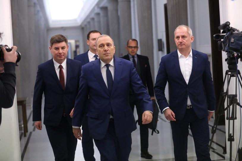Politycy PO w drodze na Konwent Seniorów /Rafał Guz /PAP