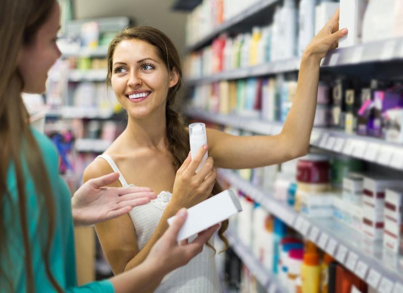 Polki coraz częściej wybierają kosmetyki wegańskie /123RF/PICSEL