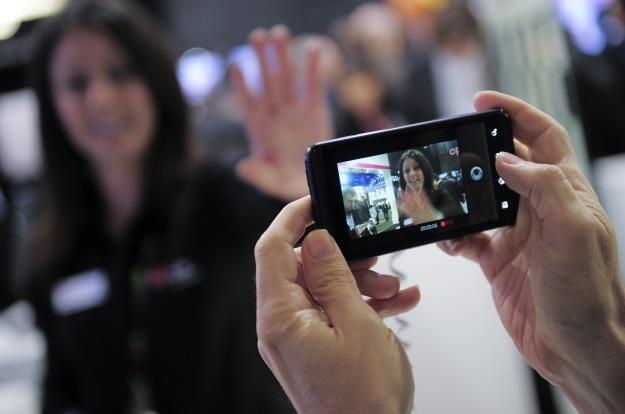 Połowa Amerykanów nie ma oporów przed nagrywaniem nieco bardziej pikantnych filmików /AFP