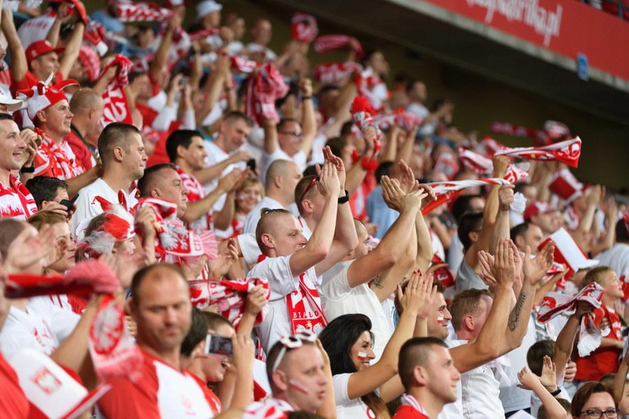 Polscy kibice podczas ostatniego meczu towarzyskiego z Chile /PAP/Jakub Karczmarczyk /PAP