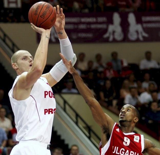 Polscy koszykarze mają szansę zagrać na ME na Litwie /AFP