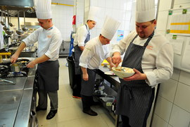 Polscy kucharze gotują dla papieża