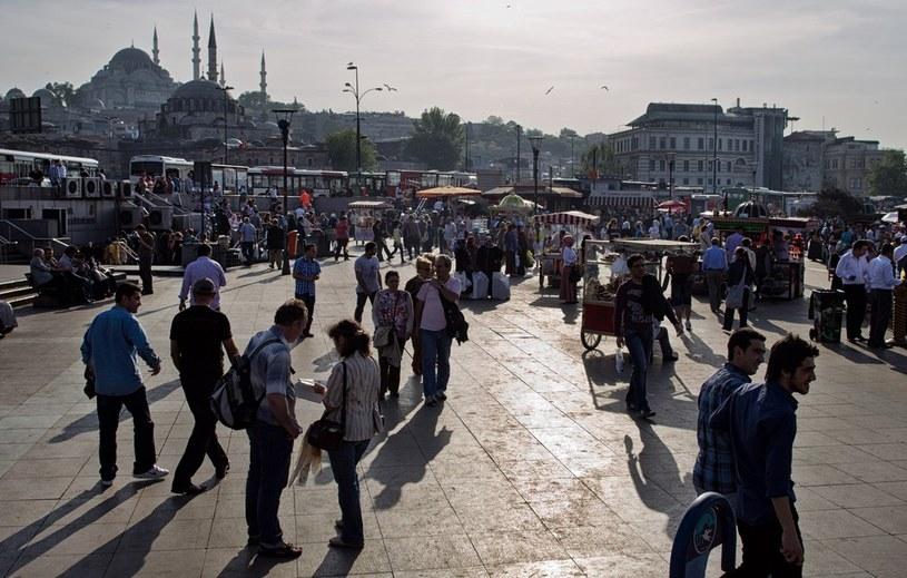 Polscy studenci co roku przyjeżdżają do Stambułu na wymianę /Andrzej Stawiński /Reporter