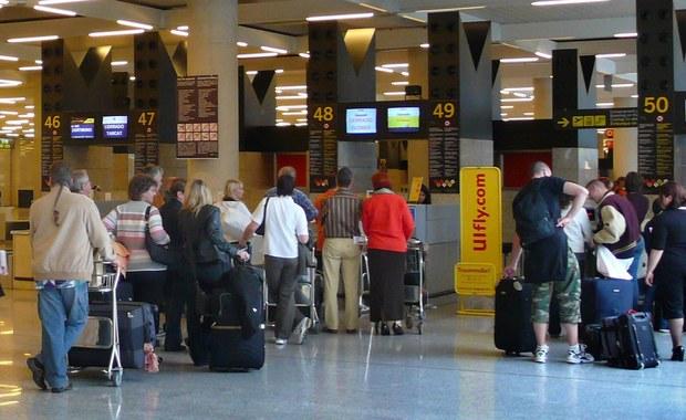 Polscy turyści koczowali na lotnisku na Krecie