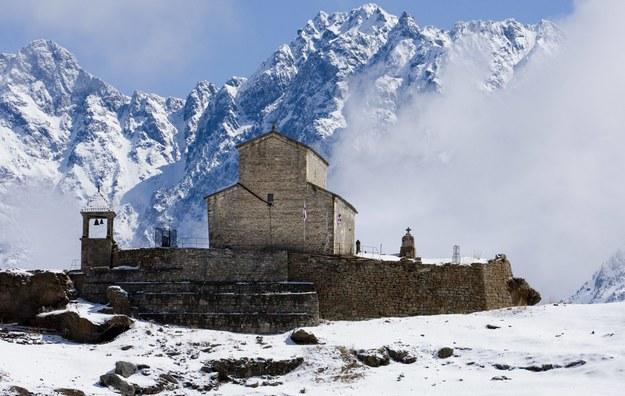 Polscy wspinacze utknęli na Kaukazie. Leci po nich śmigłowiec