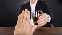 Polska gościnność - jak odmawiać picia alkoholu?
