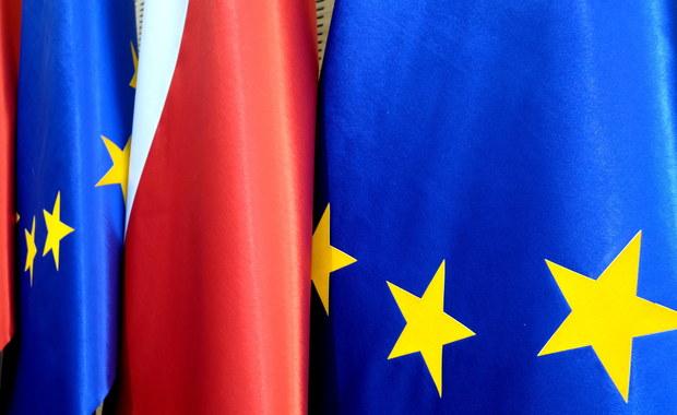 """Polska kontra unijne """"jastrzębie"""". Rząd musi wybrać: Puszcza Białowieska lub relokacja uchodźców"""