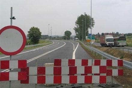 Polska oszczędza na drogach /RMF/INTERIA.PL