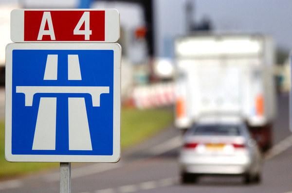 Polska podejmie temat płacy minimalnej na spotkaniu ministrów transportu UE /AFP