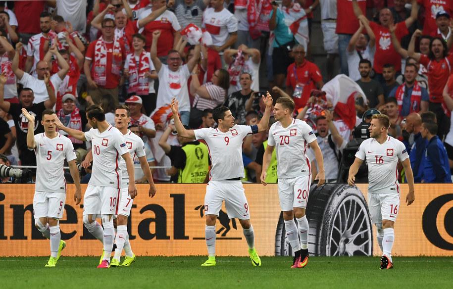 Polska reprezentacja podczas ćwierćfinałowego meczu z Portugalią /PAP/DPA/Federico Gambarini /PAP