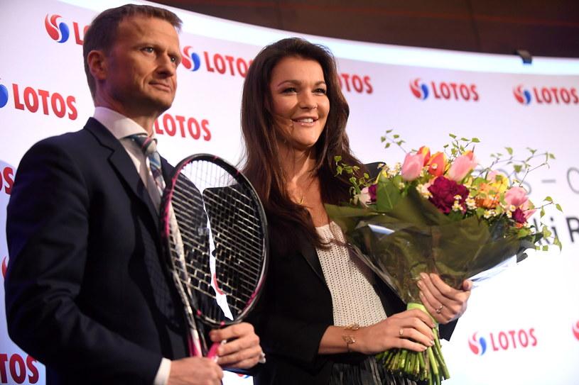 Polska tenisistka Agnieszka Radwańska (P) i prezes Grupy Lotos Marcin Jastrzębski. /Bartłomiej Zborowski /PAP
