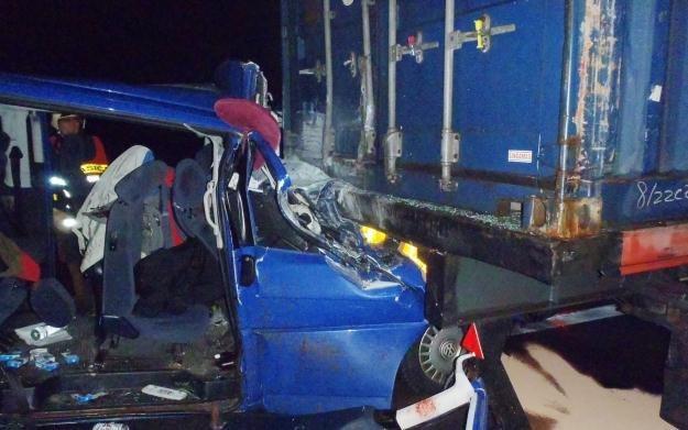 Polski bus po wypadku w Czechach /PAP/EPA