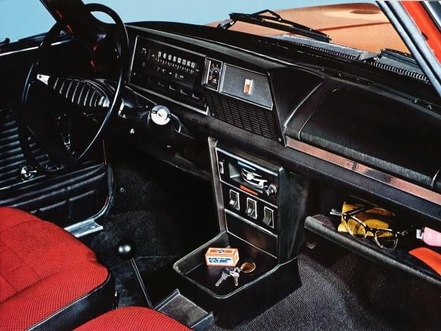 Polski Fiat 125p - deska rozdzielcza /Fiat