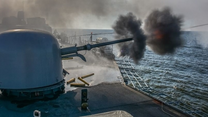 Polskie okręty strzelają na Bałtyku