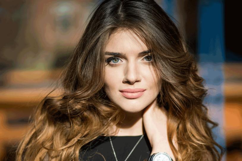 Połysk świadczy o dobrej kondycji włosa /123RF/PICSEL