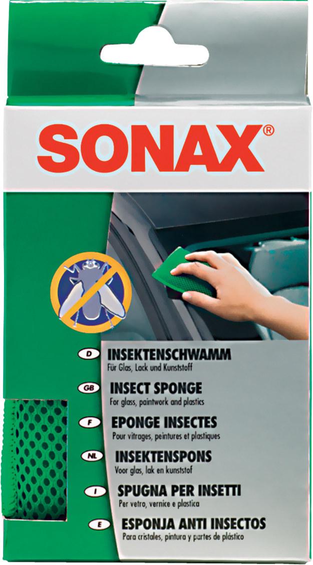 Pomaga usunąć resztki owadów z plastików oraz szyb (7 zł). /Motor