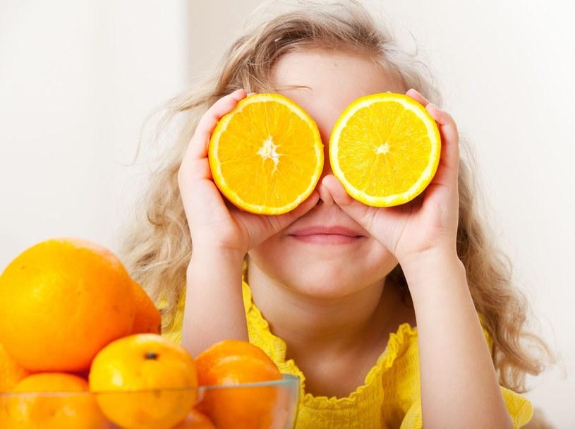 Pomarańcze są znakomitym źródłem wapnia /©123RF/PICSEL
